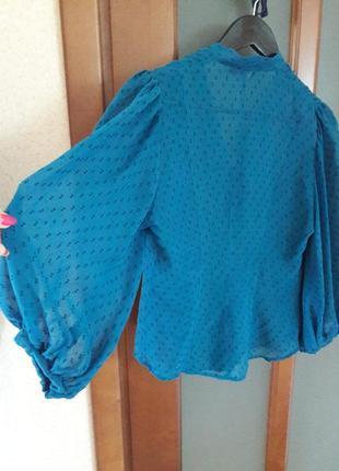 Очаровательная блуза с пышными рукавами