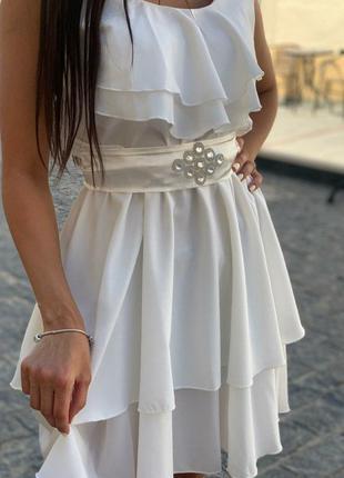 Красивое женское платье белого цвета,44/46р.