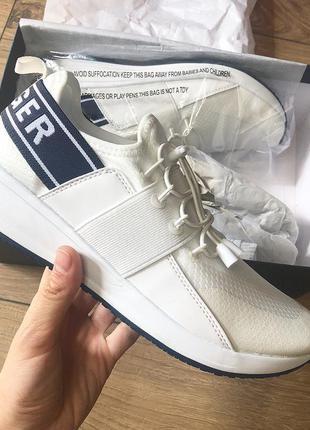 Tommy hilfiger кроссовки 40 размер белые оригинал