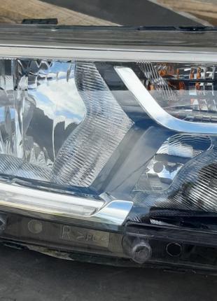 Renault Logan Фара 260100437R