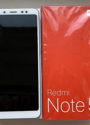 Cмартфон Xiaomi Redmi Note 5 в голубом цвете
