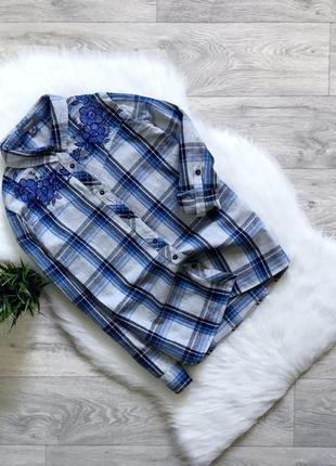 Рубашка с вышивкой