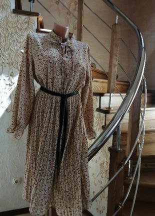 Лёгкое цветочное миди платье. натуральное бежевое платье миди ...
