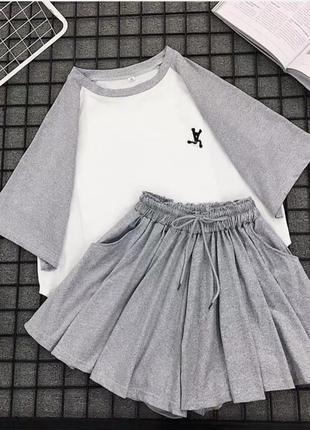 Костюм футболка юбка-шорты