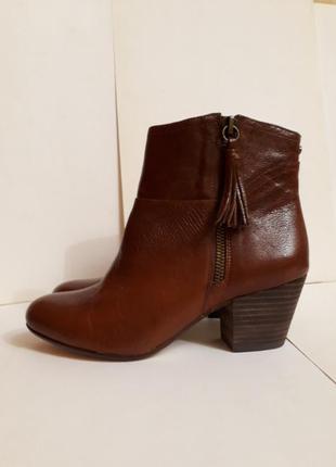 Шикарные ботиночки из натуральной кожи. Nine West