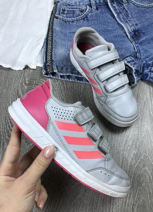 Отличные кроссовки на липучках adidas