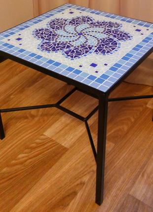 Журнальный столик с мозаикой ручной работы