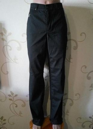 Черные прямые джинсы штаны брюки