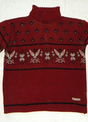 Теплый свитер бордовый