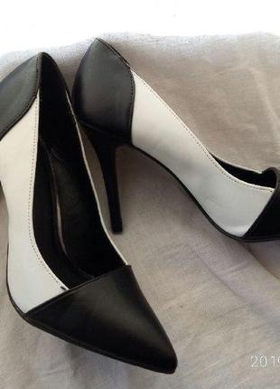 Graceland/туфельки/элегантные/деловой стиль/скромные/на работу...