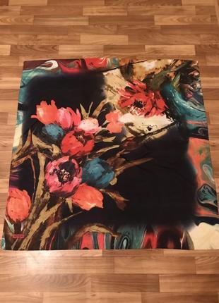 Платок в цветочный принт sinem