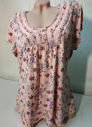 Трикотажная блузка в цветочки большой размер