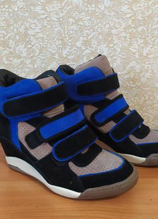 Ботинки, сникерсы 39 размер