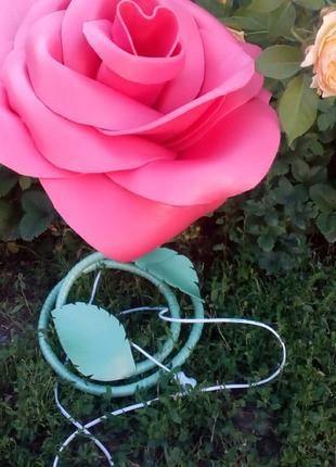 Торшер-троянда