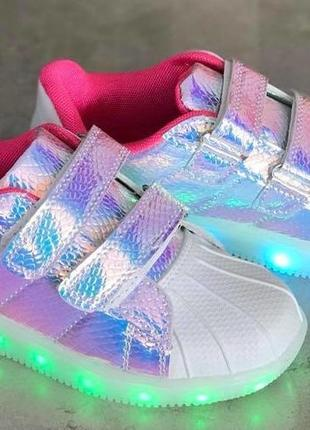 31- 36 р кроссовки со светящейся подошвой на зарядке