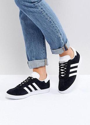 Женские черные кроссовки кеды