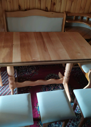 Продается кухонный уголок, 4 табуретки и стол