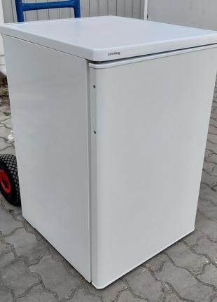 Маленький холодильник б/у студент из Германии от фирмы Привилег