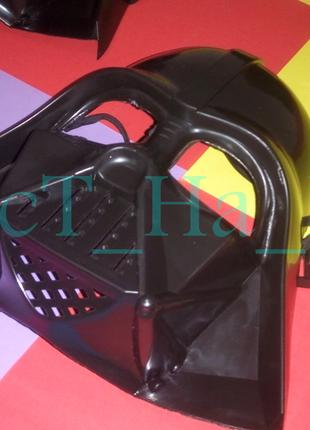 Карнавальная пластиковая маска Дарт Вейдер на резинке