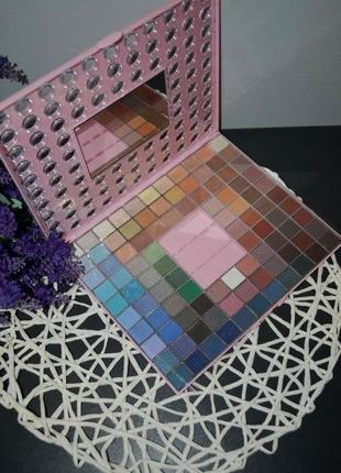 Новая фирменная палетка теней для век 98 оттенка pretty pink сток
