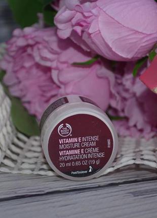 Крем для лица the body shop vitamin e intense moisture cream д...