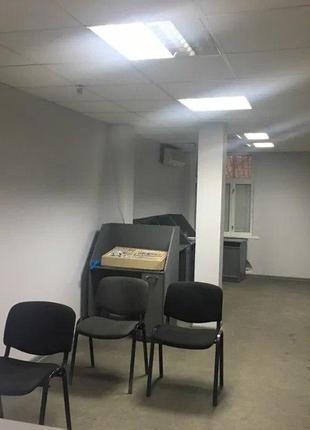 Продам помещение с отдельным входом в Центре.