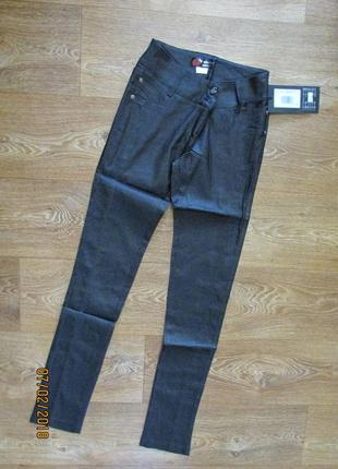 Стильные школьные узкие брюки для девочки/ брючки классические...
