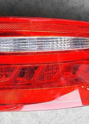 Jaguar XE Фонарь задний  T4N7912