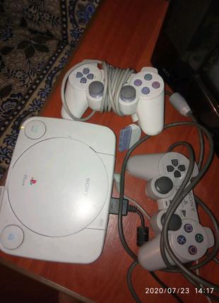 PlayStation PSone + 3 диски з іграми