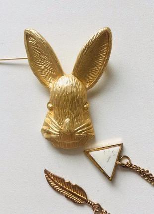 Винтажная крупная брошь золотого цвета с кроликом металл