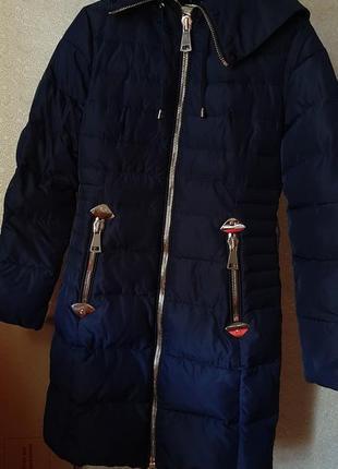 Зимний пуховик с поясом