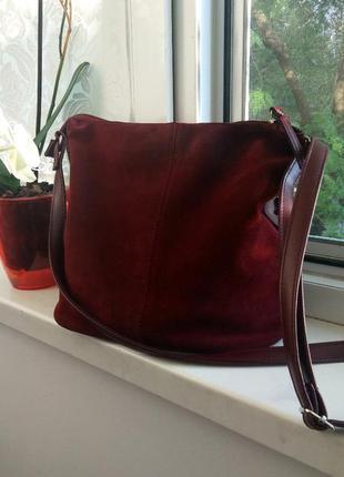 Повседневная сумка бордового цвета