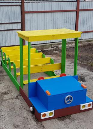Машинка из дерева для детского сада и площадок