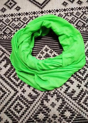 Яркий неоновый шарф снуд