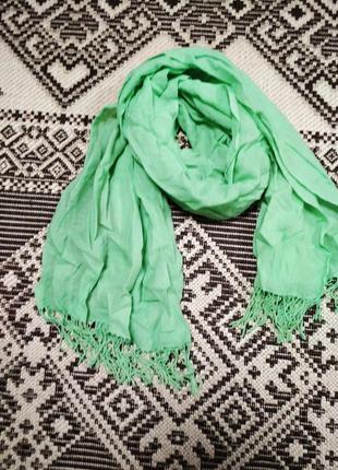 Бомбезный шарф цвета весенней зелени пашмина
