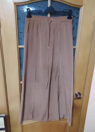 Горчичная макси юбка с двумя разрезами спереди от mango,p.m
