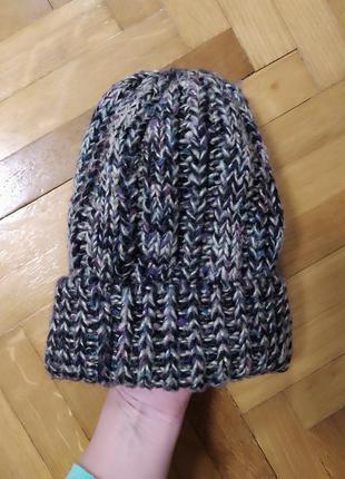 Классная шапка бини крупной вязки с металлической нитью от acc...