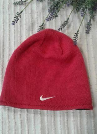 Классная двухсторонняя шапка nike прим. на 2-6 лет