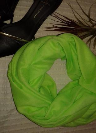 Яркий кислотно салатовый шарф снуд платок от pieces