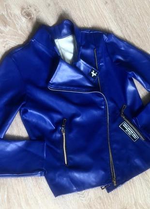 Кожаная куртка косуха для девочки.