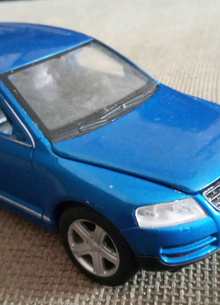 Продам іграшковий Volkswagen Touareg