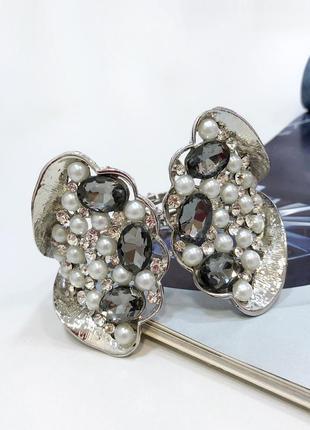 Вечерний браслет бабочка. браслет с камнями и жемчугом. вечерн...