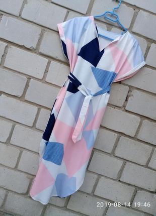 Крутое платье миди с размерами по бокам раз. s
