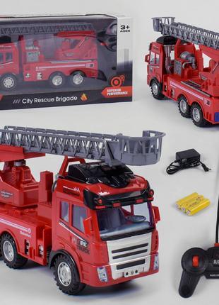 Детская пожарная машинка на радиоуправлении (свет, звук)