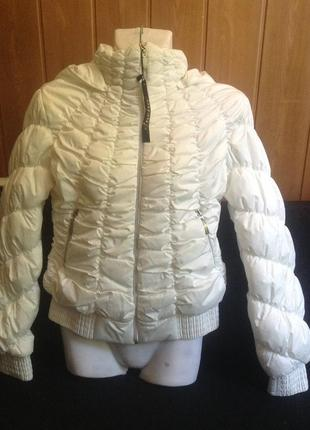 Белая куртка. Осень-весна