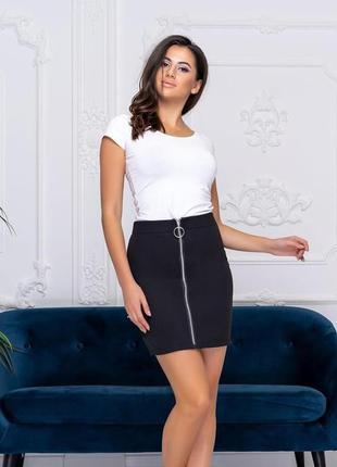 Женская мини-юбка с молнией