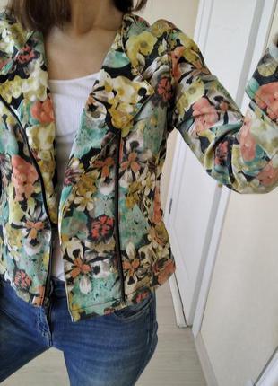 Куртка,жакет в цветочный принт vila р.36