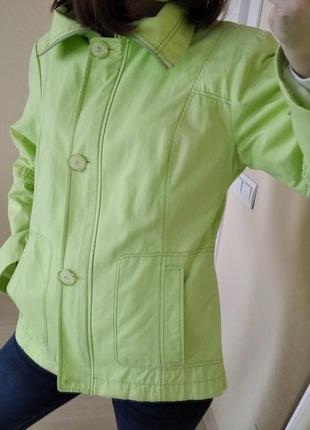 Куртка,ветровка тонкая яркая р.36-38