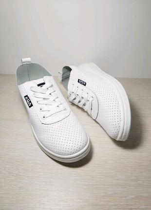 Летние белые кеды, кроссовки