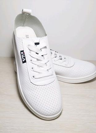Белые летние кроссовки, кеды